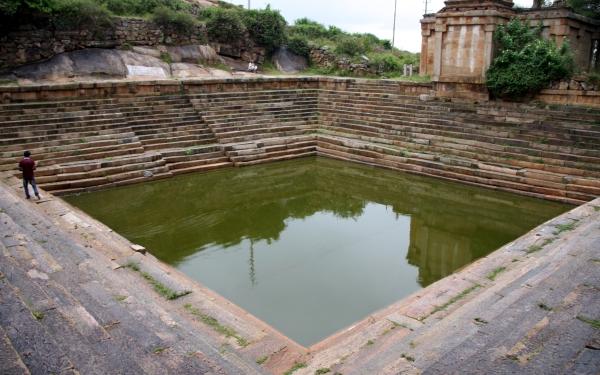ಪಯಣಿಗ - ಮೇಲುಕೋಟೆ: ಮಳೆರಾಯನ ಜೊತೆ ಮಾತುಕಥೆ
